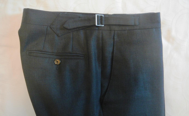pantalon taille haute avec ou sans ceinture. Black Bedroom Furniture Sets. Home Design Ideas
