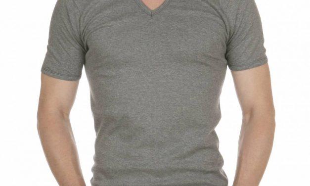T shirt col v, je déteste les poils qui débordent