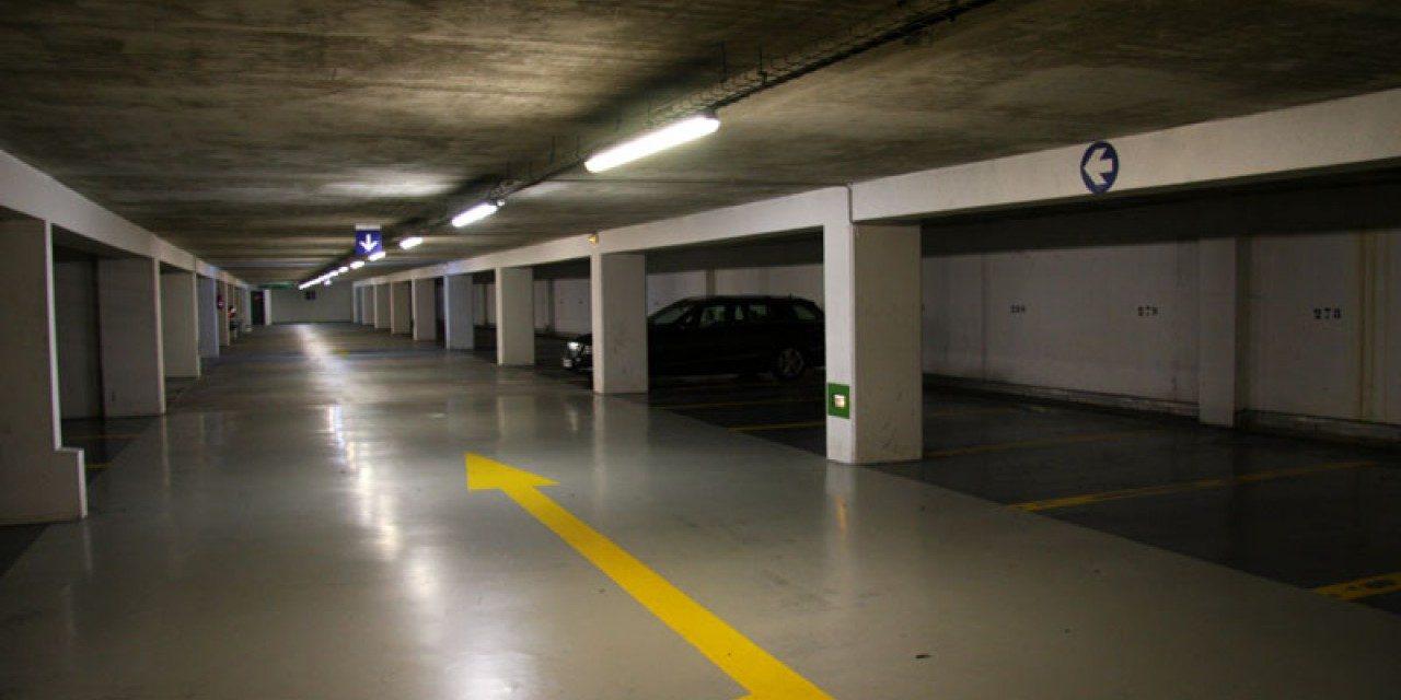 Location parking Marseille : accro à sa voiture