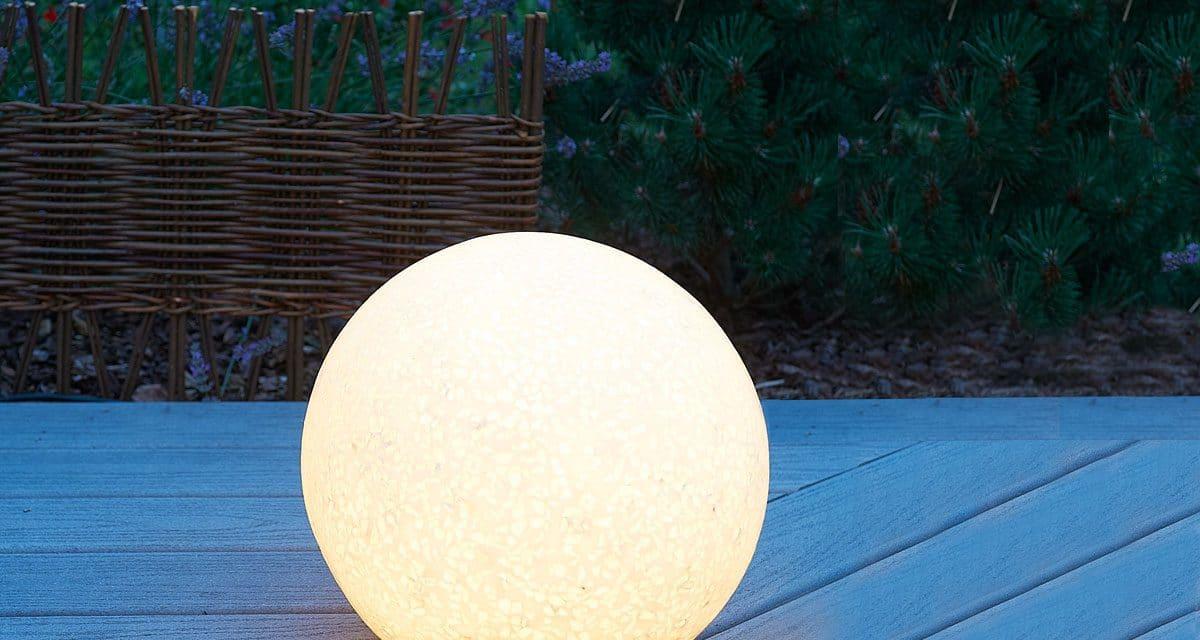 Boule lumineuse jardin : Quels sont les objets qu'il vous faut pour un beau jardin ?