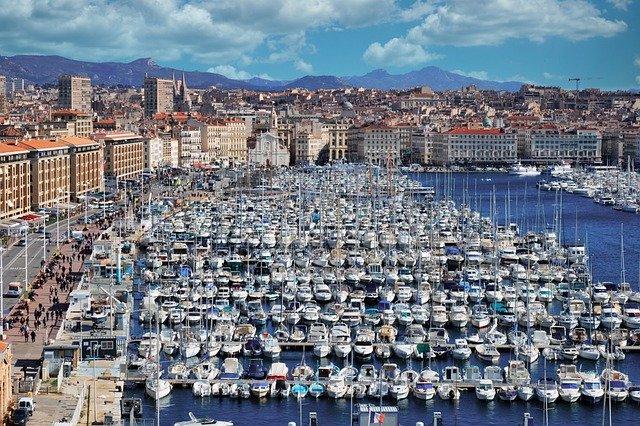 Location bateau Marseille Vieux-Port : les meilleurs loueurs de voiliers
