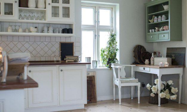 Où trouver de jolie crédence de cuisine en bois ou verre ?