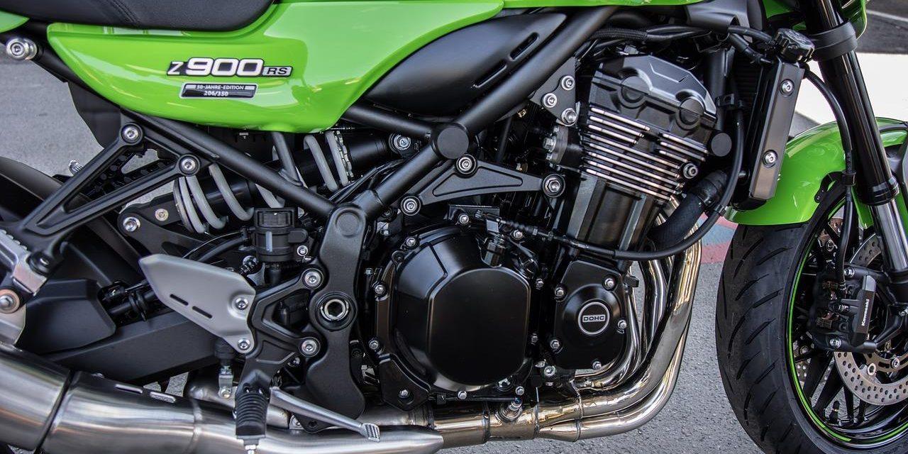Comment changer une pièce de moto Kawasaki ?