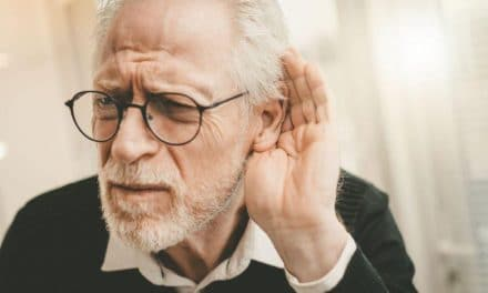 Comment choisir la meilleure prothèse auditive pour un sénior ? Avis d'un expert